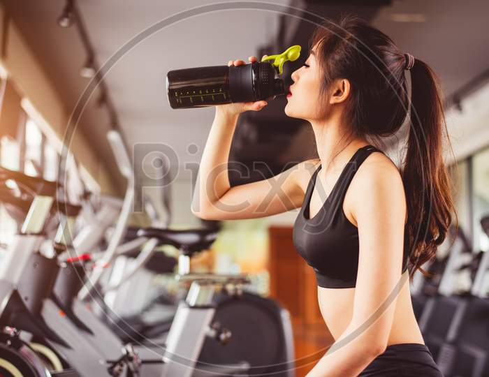 Sports Nutrition Drinks